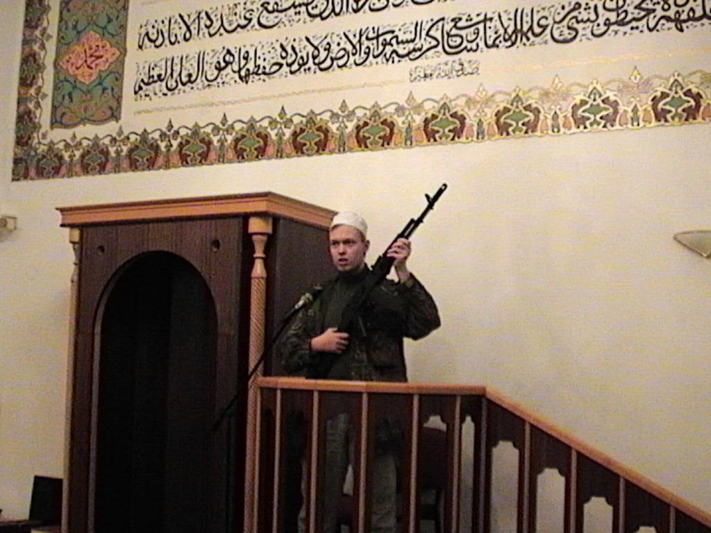 Mírumilovný umírněný muslim v brněnské mešitě si hraje na kazatele hnutí Hamas
