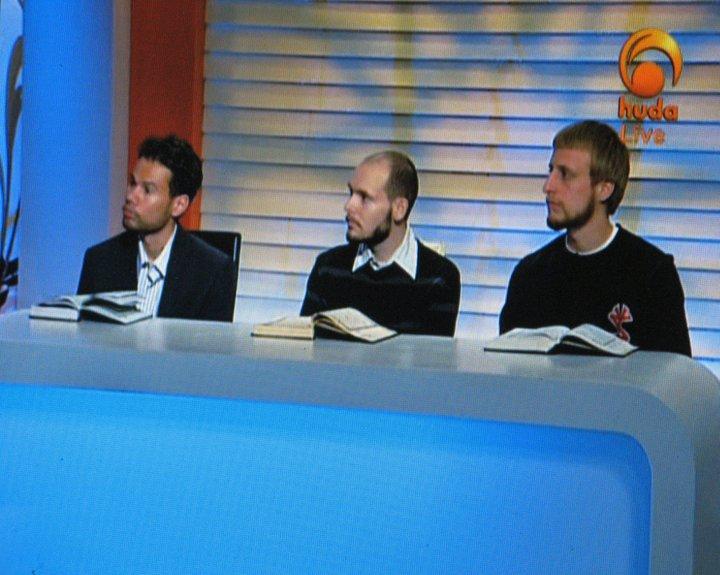 Fotografie z egyptské TV, kde se prezentoval konvertita Hamza Jan Velička