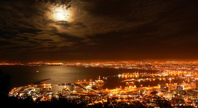 Noční Kapské Město