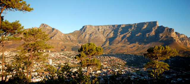 Stolová hora je symbolem Cape Townu, pohled ze Signal Hill