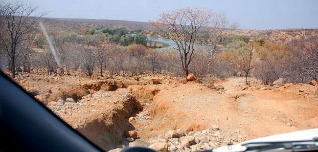 Dostat se k Himbům do vdálenějších oblastí je oříšek