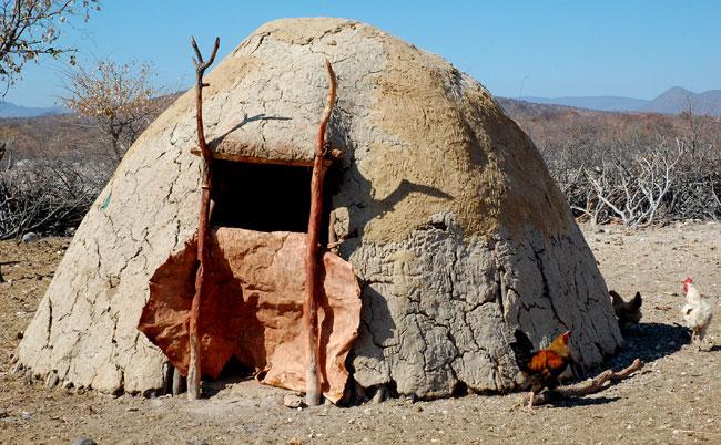 Obydlí Himbů.jpg