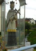 Soška sv. Jana Nepomuckého.jpg