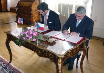 Ambassador Eisen and Deputy Foreign Minister Galuska