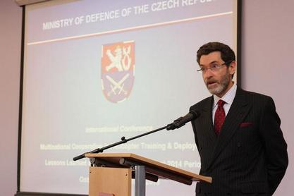Ambassador Eisen addressing European leaders in Ostrava