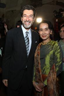 Ambassador Eisen with Aung San Suu Kii in Prague