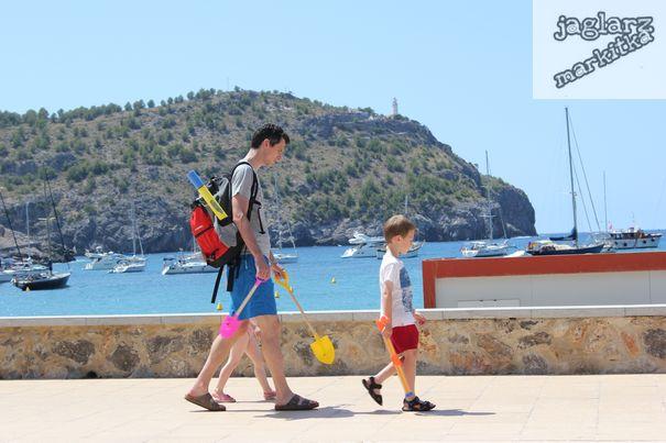 children-goes-beach-jaglarzova.jpg