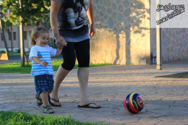football-girlie-jaglarzova.jpg
