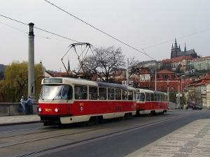 В ваших путешествиях по Европе судьба или выбранный маршрут дарит вам только один день в Праге.  А еще вы не любите...