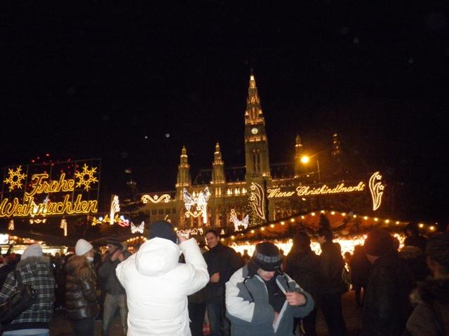 večerní Radnice (Rathaus)