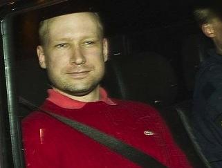 Firma Lacost údajně kontaktovala policii, aby mu zabránila nosit mikinu se svou značkou