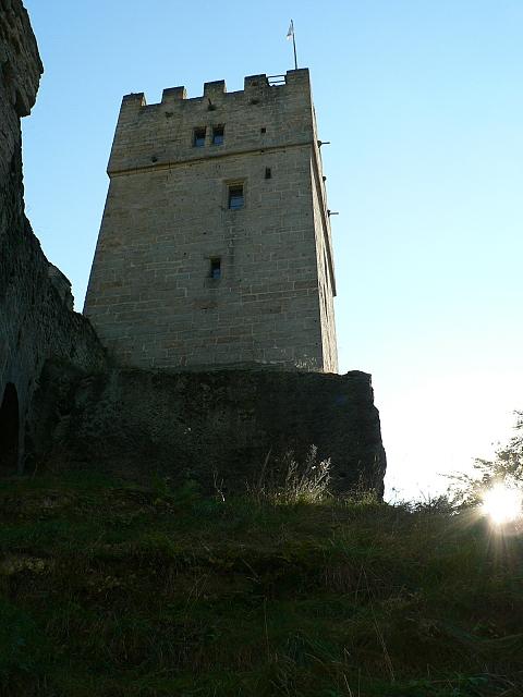 Helfenburk, věž od severozápadu