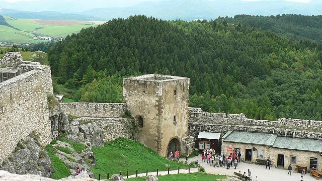 Spišský hrad, brána