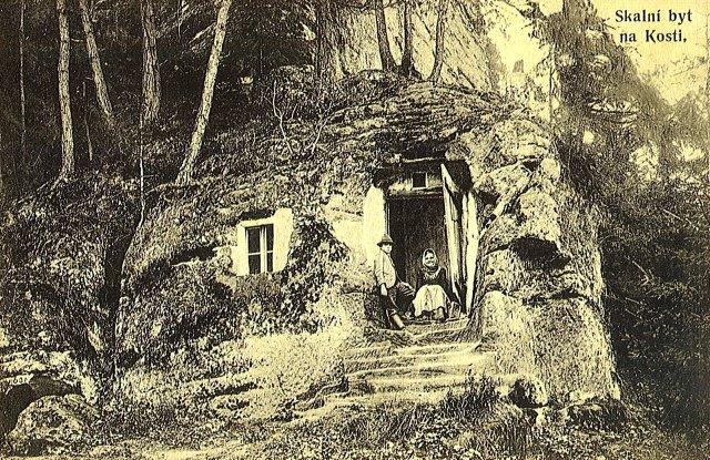 Skalní byt u Kosti, stará pohlednice