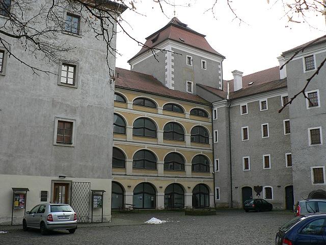 Boleslavský hrad, nádvoří.