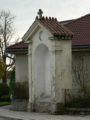 Dřevčice, kaplička svaté cesty mezi Prahou a Starou Boleslaví