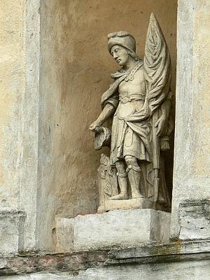 Barokní zvonice, socha sv. Floriána