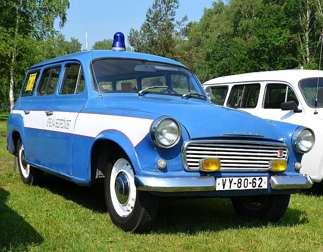 Škoda 1202, tyto automobily používala také Veřejná bezpečnost.