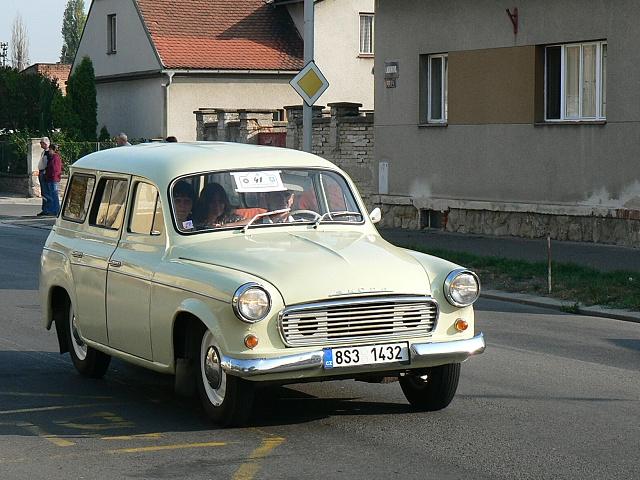 Škoda 1202 STW de Luxe.