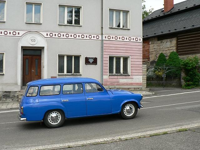 Škoda 1202 STW v Rovensku pod Troskami.