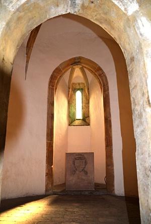 Interiér věže, kaple.