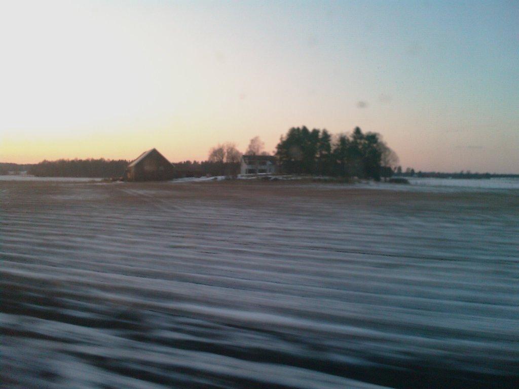 foto: Zimni krajina nekde mezi Stockholmem a Gothenburgem. Hodne typicky pohled