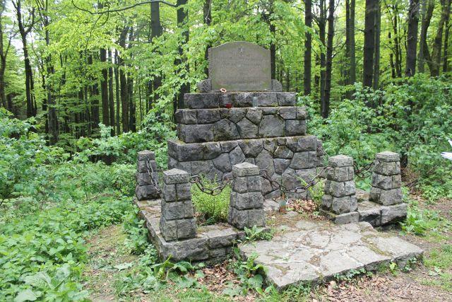 Pomník Ilji Danilovice Dibrova