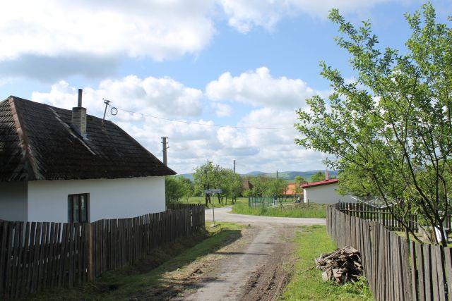 Na konci vesnice Uhliská