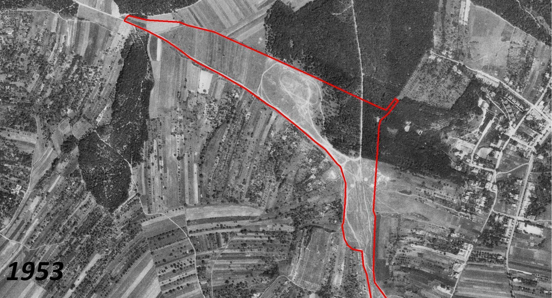 Letecký snímek z roku 1953 (zdroj: Cenia.cz)