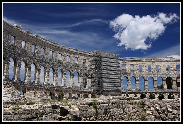 Koloseum_Pula.JPG