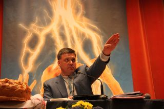 Affrontements en Ukraine : Ce qui est caché par les médias et les partis politiques pro-européens - Page 3 Nazi6ua