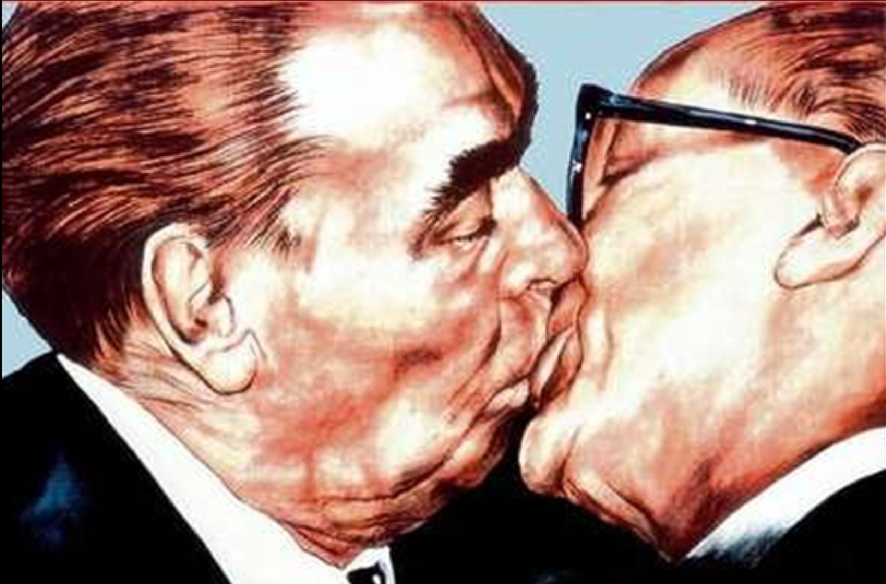 kissingbrezhnev.jpg